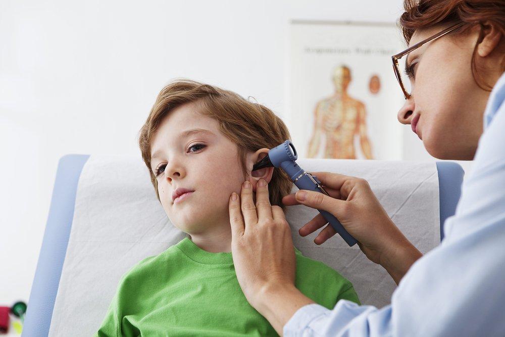 Mi hijo tenía otitis crónica y atrofia del seguimiento visual